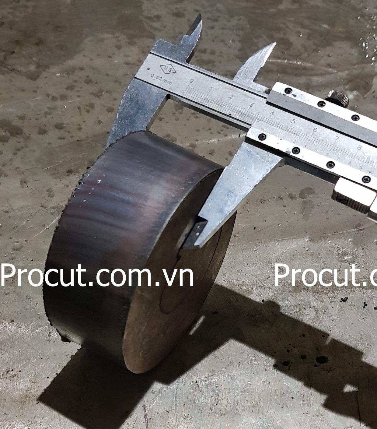 Chiều dày của inox phụ thuộc vào công xuất của nguồn cắt